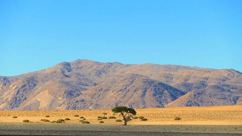 Aus / Tiras Mountains